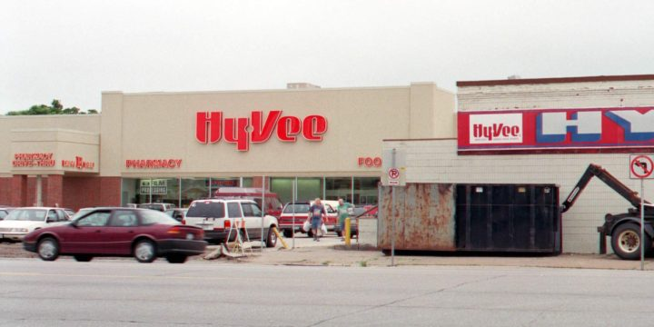 Study shows wisdom of Cedar Rapids' Hy-Vee incentive